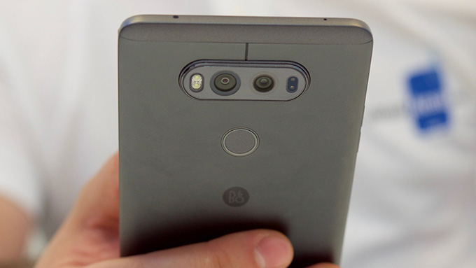 LG V20 vs LG G5 Review and Comparison-The King is dead, long live